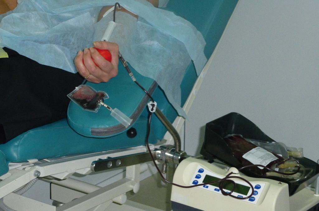 Вы просматриваете фотографии из материала: 31.10.2013 г. - Акция 'Стань донором крови' для струдников УФССП по Кировской области